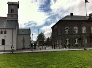 Alþingi og dómkirkja